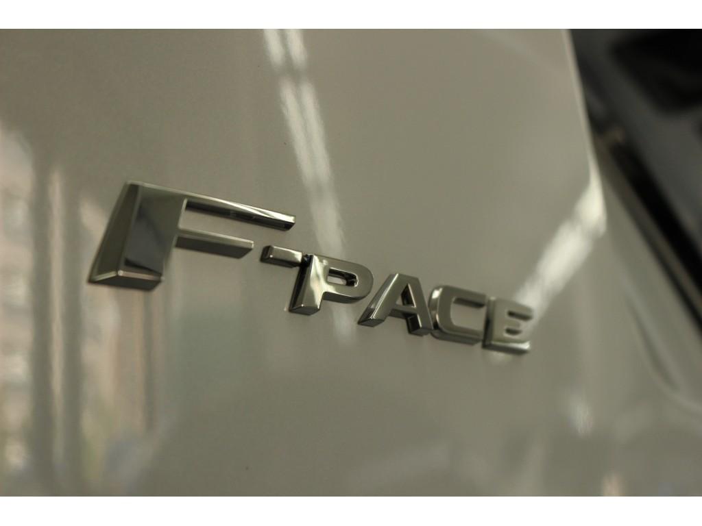 F-PACE 2.0 I4 DIESEL (180PS) PRESTIGE 5ドア