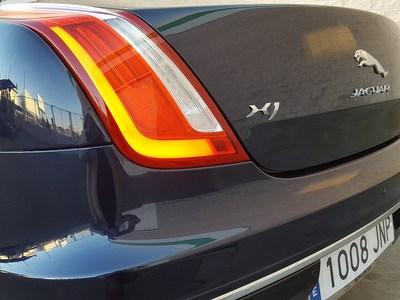 XJ 3.0 V6 DIÉSEL PREMIUM LUXURY SALOON