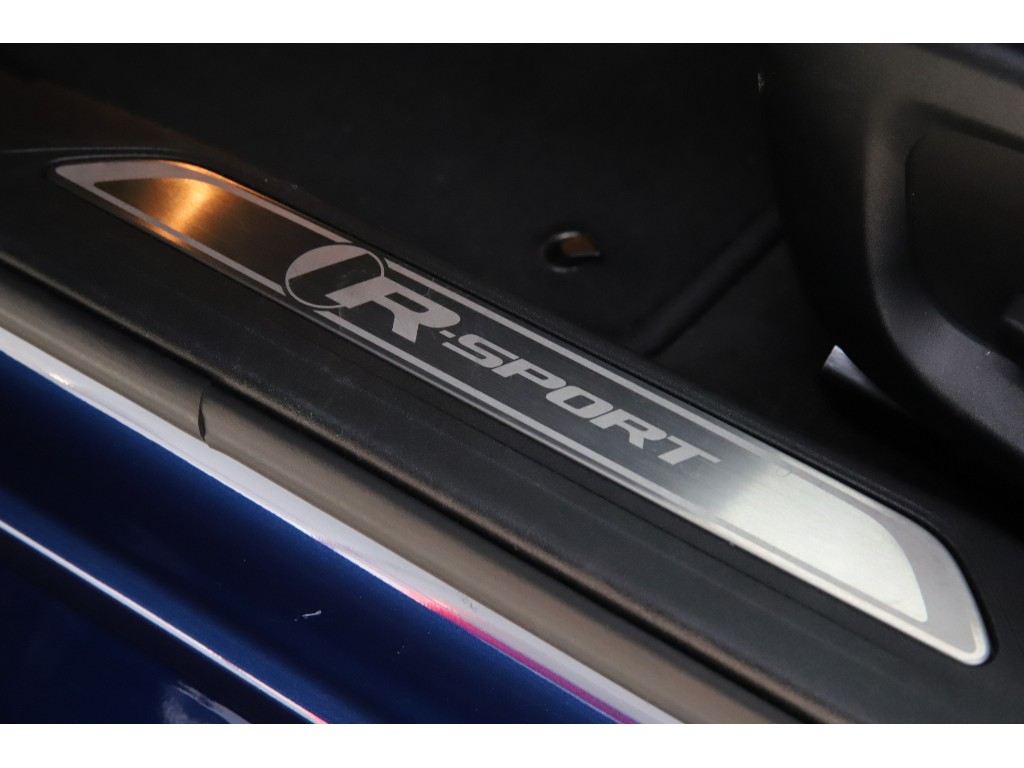 XE 2.0リッター I4 200 ターボチャージドエンジン (ガソリン) R-SPORT サルーン