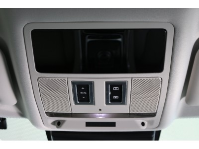 XE 2.0リッター I4 200 ターボチャージドエンジン (ガソリン) PORTFOLIO サルーン