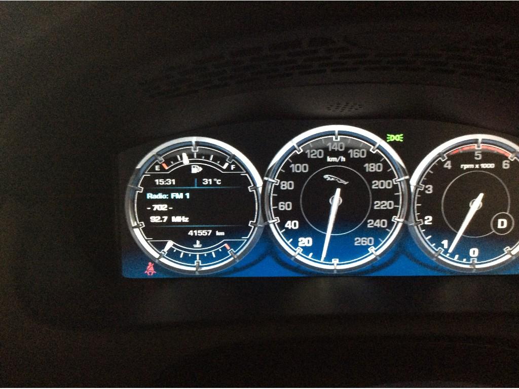 XJ 3.0 V6 DIESEL PREMIUM LUXURY SEDAN