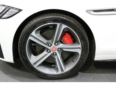 XF 3.0リッター V6 スーパーチャージドガソリンエンジン S サルーン