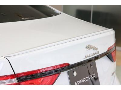 XF 3.0リッター V6 スーパーチャージドガソリンエンジン R-SPORT サルーン