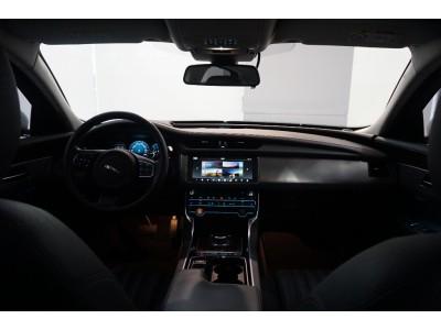 XF 3.0 V6 디젤 포트폴리오 세단