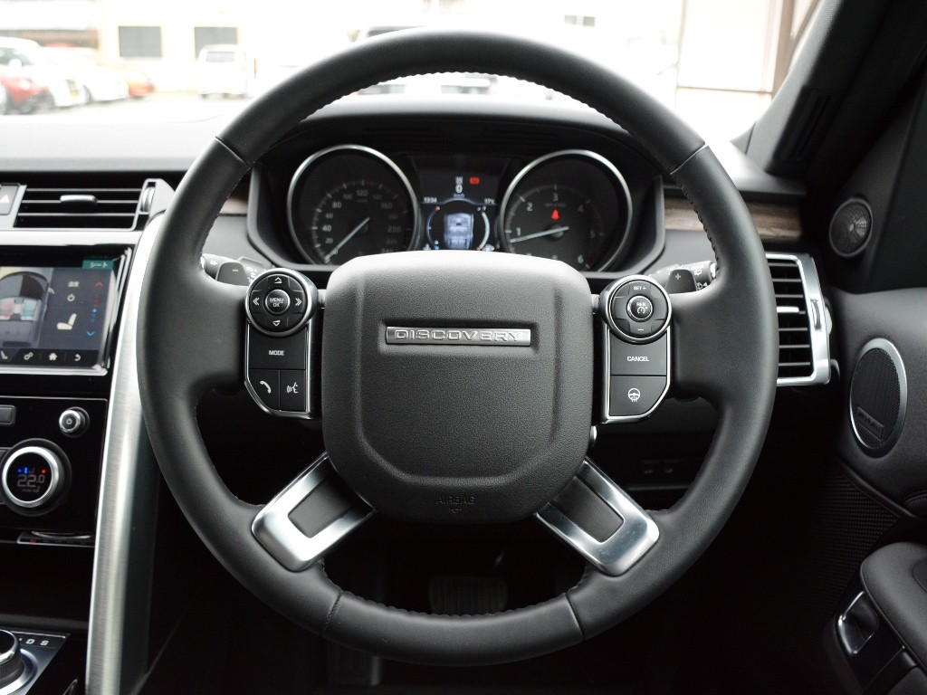 ALL-NEW DISCOVERY  3.0リッター V6 ターボチャージドディーゼルエンジン HSE