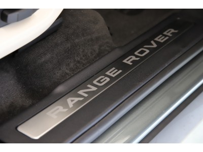 RANGE ROVER EVOQUE 5ドア 2.0リッター SI4ターボチャージドガソリンエンジン HSE