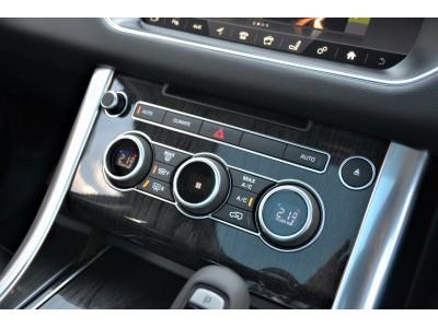 RANGE ROVER SPORT 3.0リッター V6 ターボチャージドディーゼルエンジン SE
