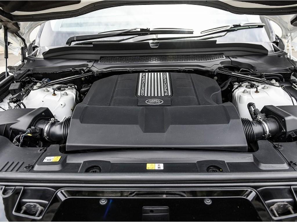 RANGE ROVER SPORT 3.0リッター V6スーパーチャージドガソリンエンジン HST