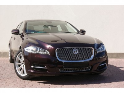 Used jaguar New XJ in Ruwi