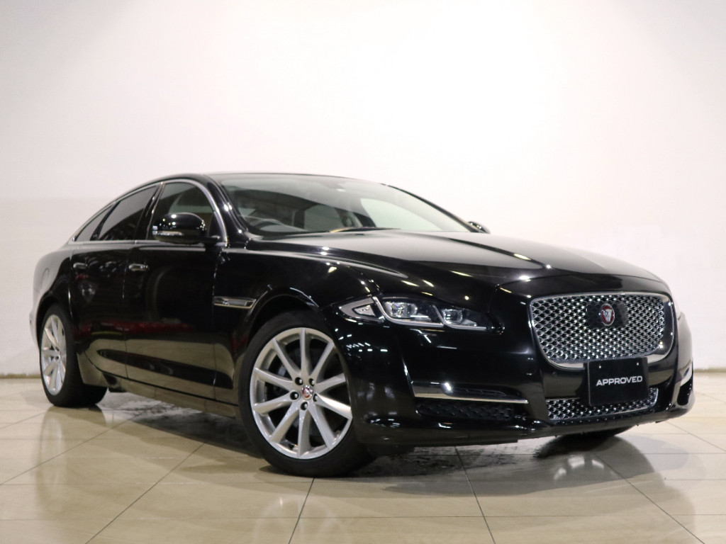 XJ サルーン Premium Luxury (MY17)