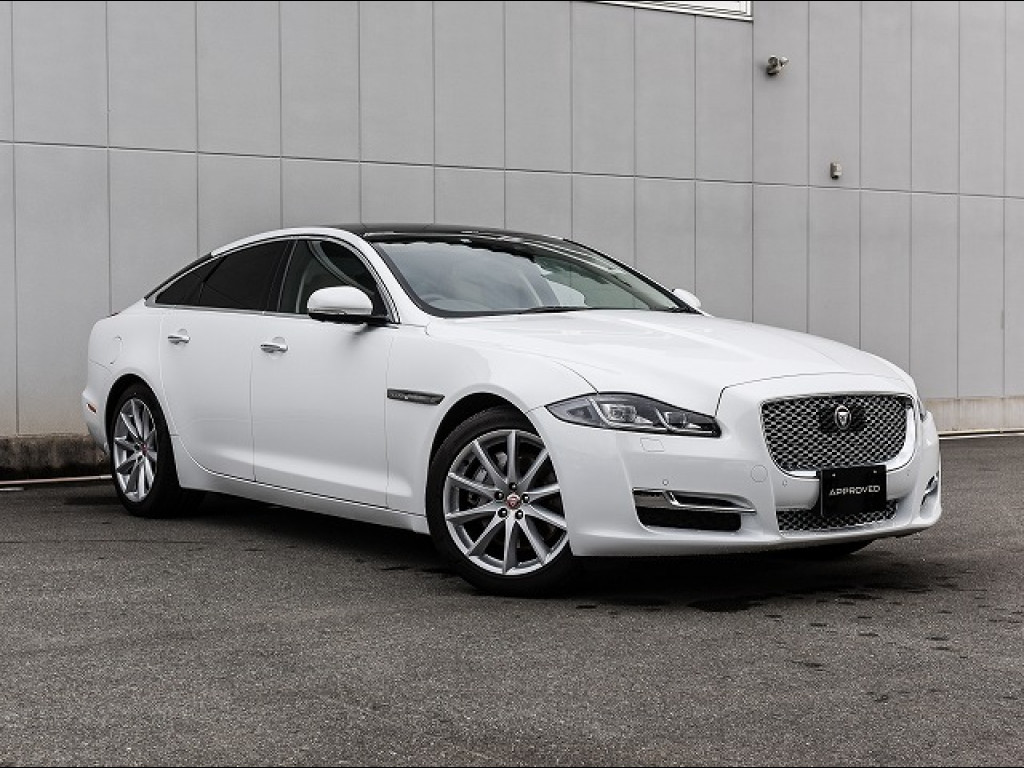XJ サルーン Premium Luxury (MY18)