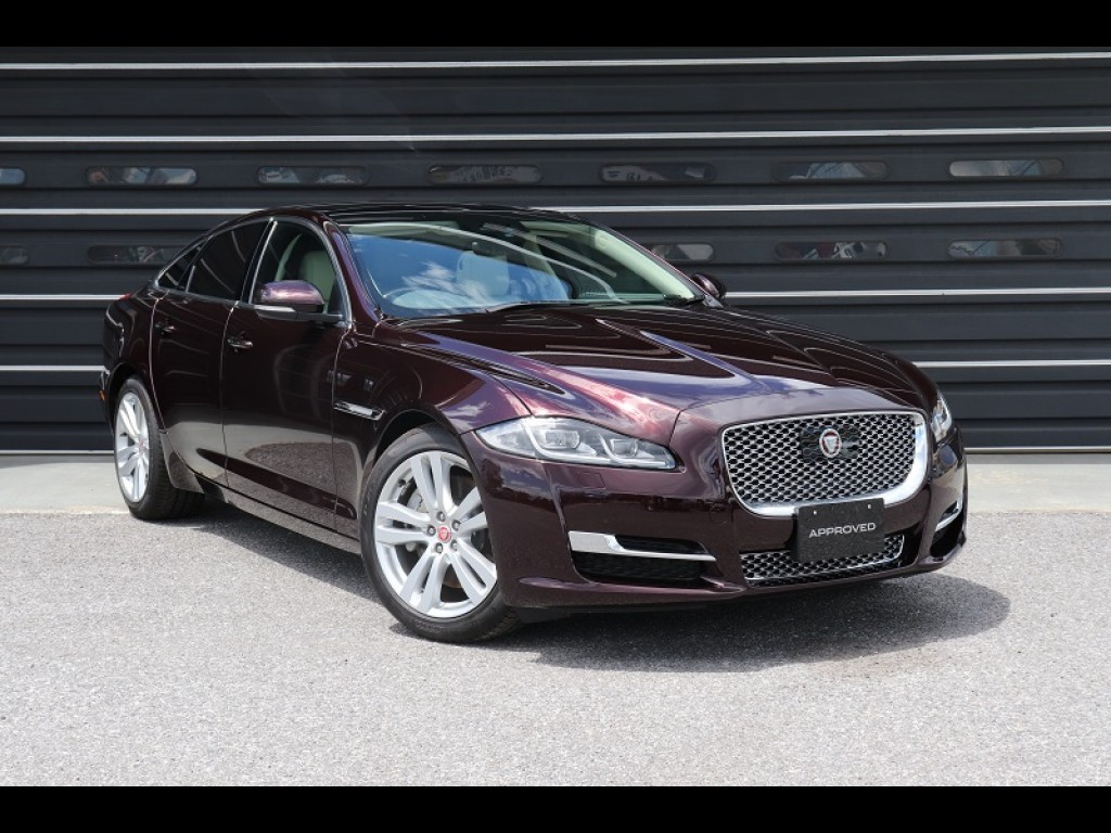 XJ サルーン Premium Luxury (MY19)